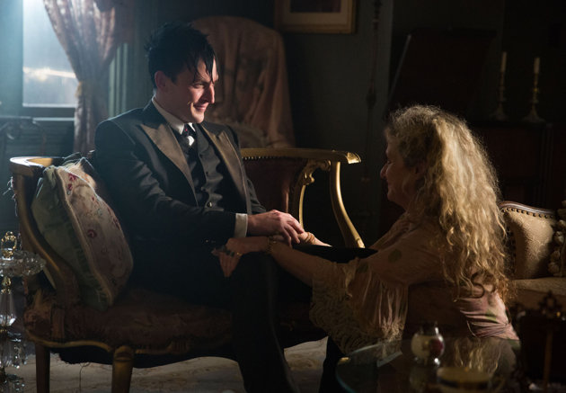 Oswald Cobblepot (Robin Lord Taylor) returns home to his mother (guest star Carol Kane) in 'Gotham'