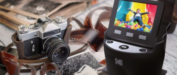 KODAK SCANZA Digital Film Scanner converts film to JPEG